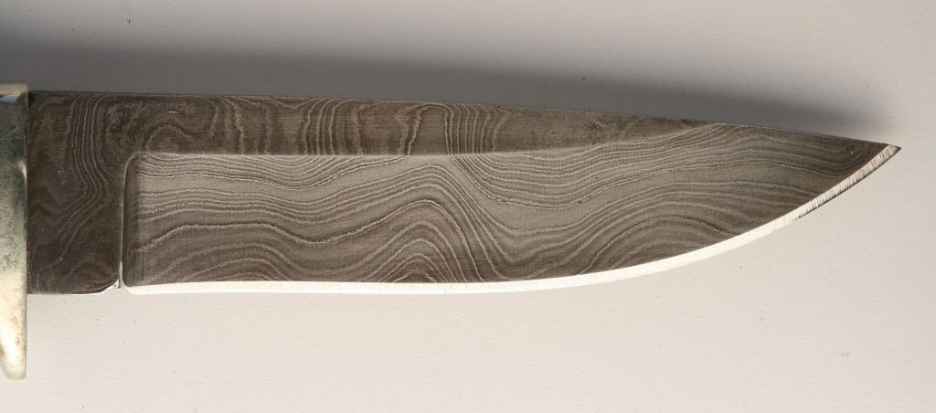 a damascus steel knife