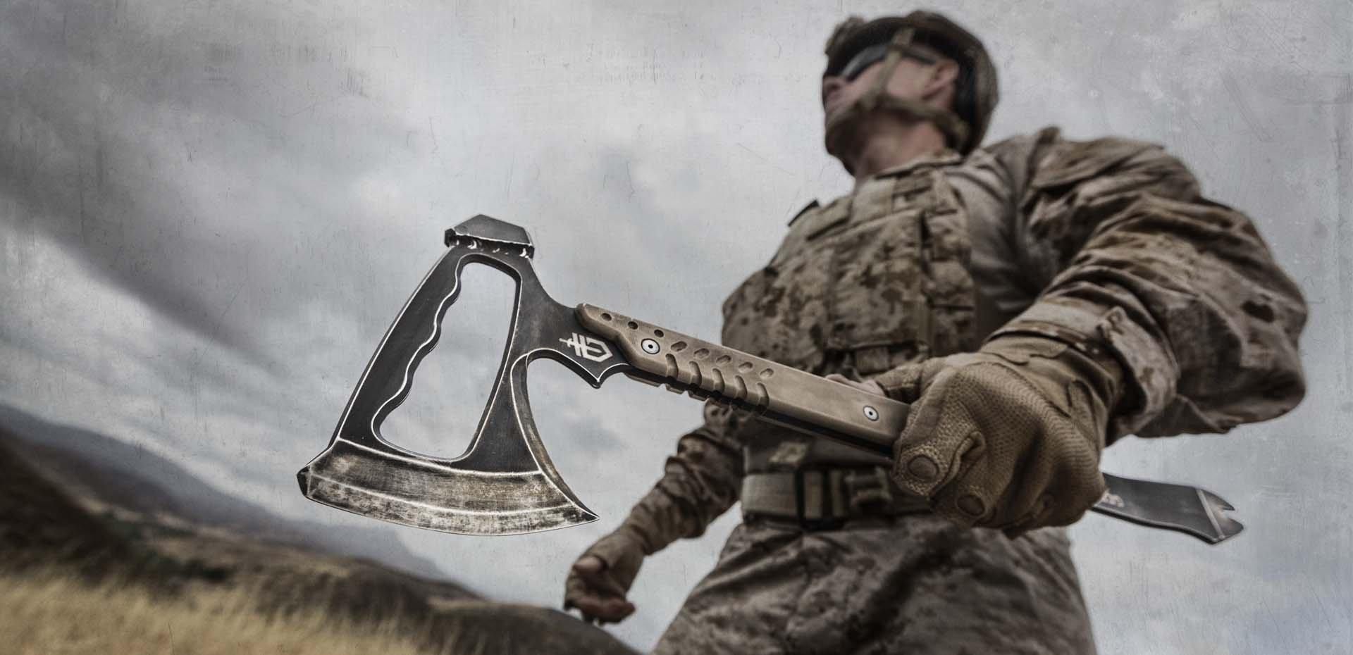 tomahawk kullanan Amerikan askeri