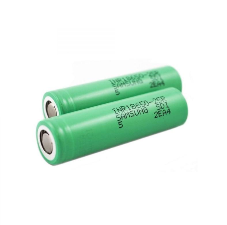 18650 Li-Ion düz kafalı- kafasız, çipsiz veya korumasız tabir edilen pil.